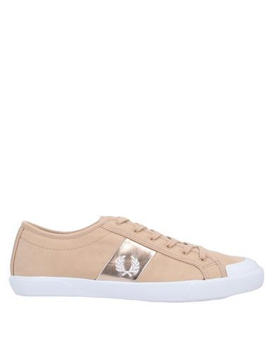 Fred Perry Sneakers In Pale Pink