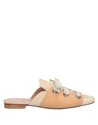 Alysi Mules And Clogs In Ivory