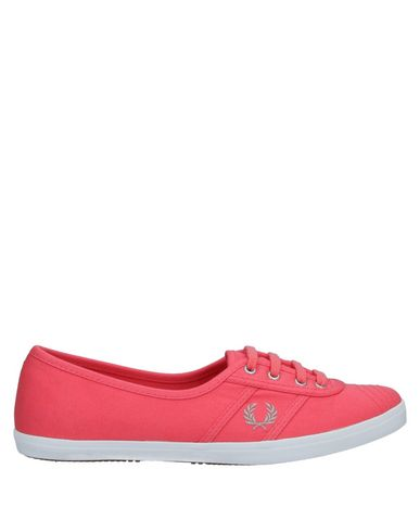Fred Perry Sneakers In Coral