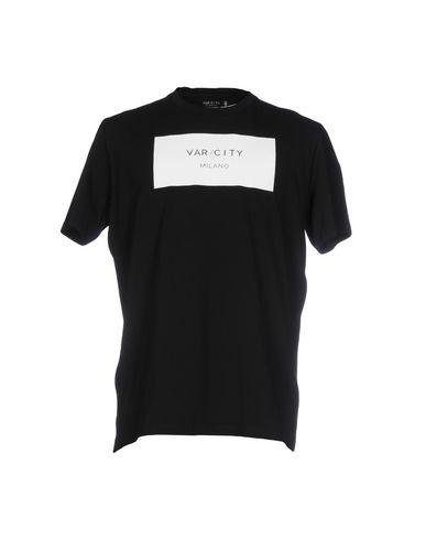 VAR/CITY T-Shirt in Black