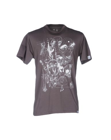 UPPER PLAYGROUND Camiseta