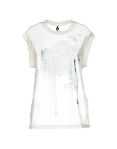 676aedee2 Versus Versace T-Shirt - Women Versus Versace T-Shirts online on ...