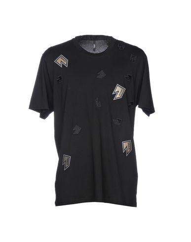 ff8ecd4b8 Versus Versace T-Shirt - Men Versus Versace T-Shirts online on YOOX ...