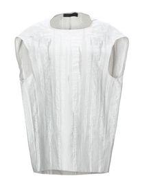 vestito giacca rosa camicia bianca e gonna rossdonna