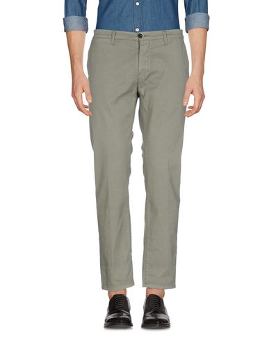 ADDICTION Casual Pants in Military Green