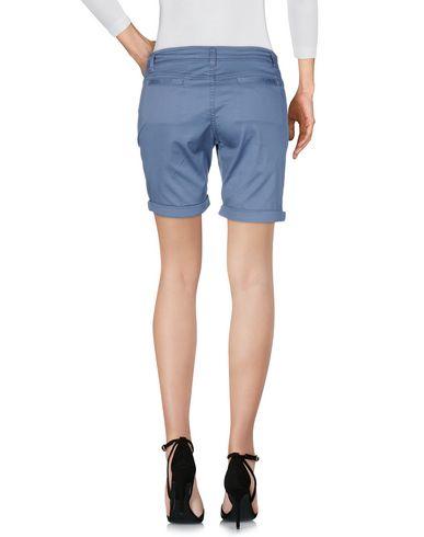 TRĒZ Shorts
