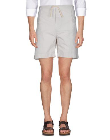 COVERT Shorts & Bermuda in Ivory