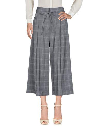 YUNE HO 3/4-Length Shorts in Grey