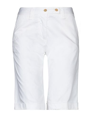 PERFECTION Shorts & Bermuda in White