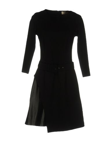 LUCILLE Enges Kleid