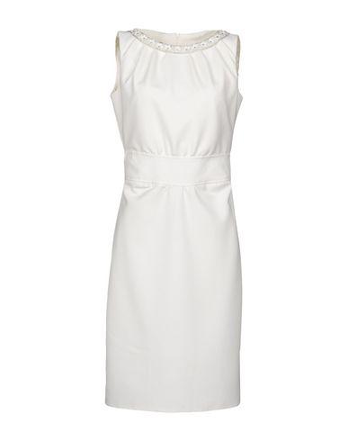 LIST Enges Kleid