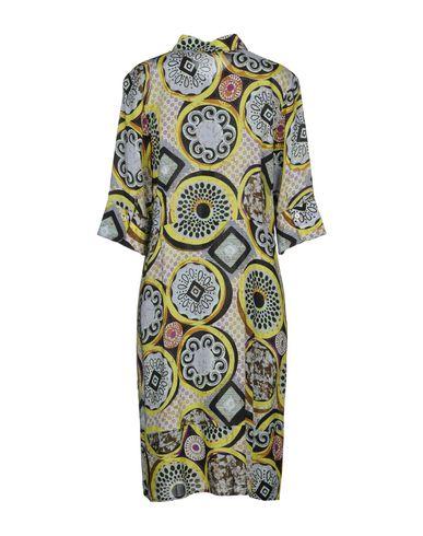 Olivia Gull Shirt Modell salg stikkontakt Manchester online salg med mastercard klaring 4Na3aK1