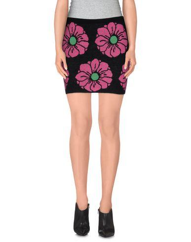 BEAYUKMUI Knee Length Skirt in Black
