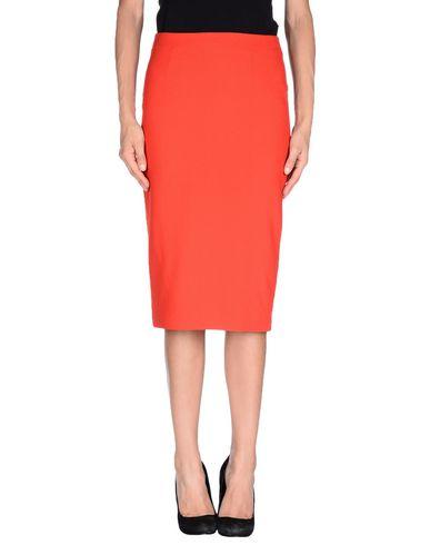 AMERICAN RETRO Knee Length Skirt in Red