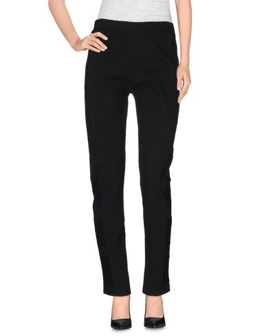 SURFACE TO AIR Casual Pants in Black