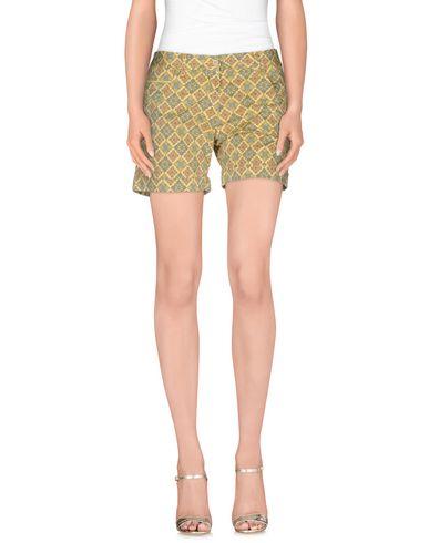 PERFECTION Shorts & Bermuda in Yellow
