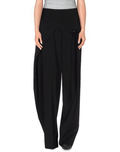 REED KRAKOFF Casual Pants in Black