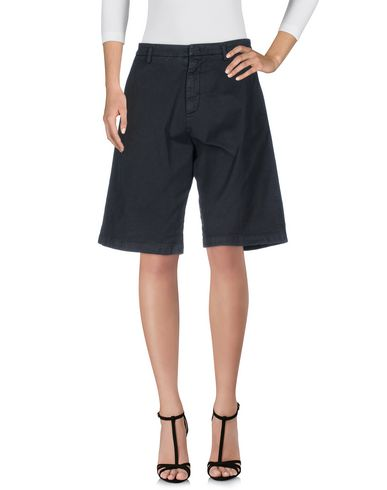 N°21 Shorts & Bermuda In Black