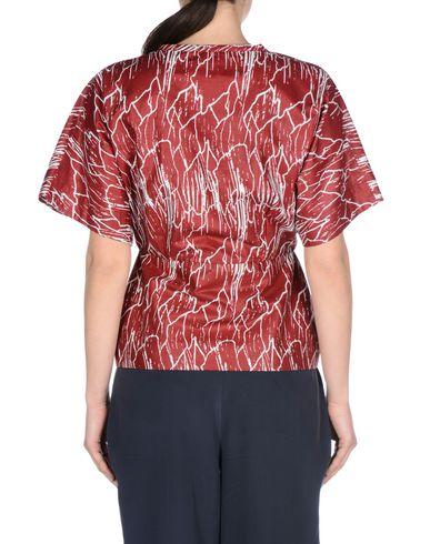 8 Camisas y blusas estampadas