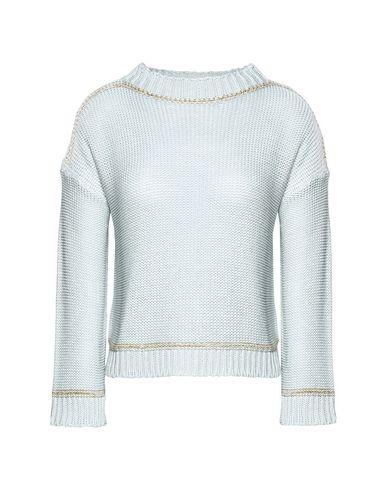8 - Sweater