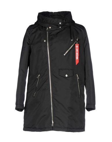 wholesale dealer d8618 1d344 LOVE MOSCHINO Giubbotto - Cappotti e Giubbotti | YOOX.COM