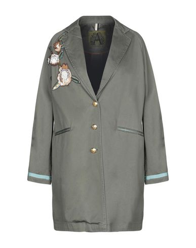 CHAMONIX Full-Length Jacket in Military Green