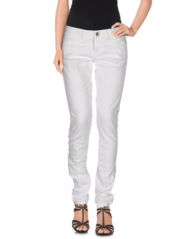 GUESS Jeans Billig Mit Paypal Rabatt Niedrig Kosten Aus Deutschland Günstig Online u1cggrG6Jg