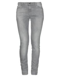 50f037f143f Γυναικεία Armani Jeans: τσάντες, παπούτσια και παντελόνια Armani ...