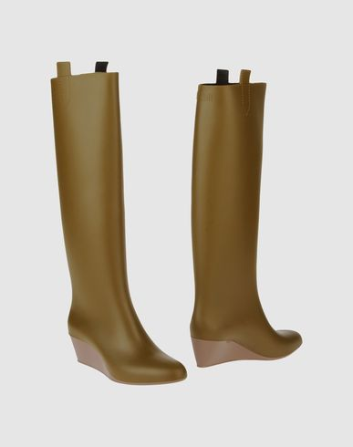 KARTELL Boots in Military Green