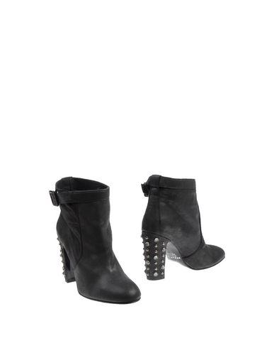 SERAFINI ETOILE Ankle Boot in Black
