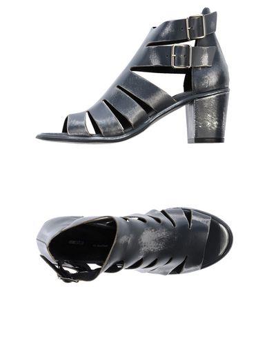 MIISTA Sandals in Steel Grey