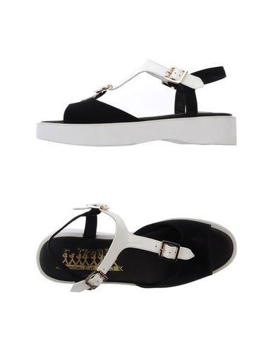 F-TROUPE Sandals in Black