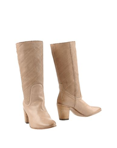 ALBERTO FERMANI Boots in Beige