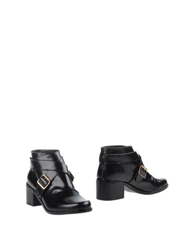 F-TROUPE Ankle Boot in Black