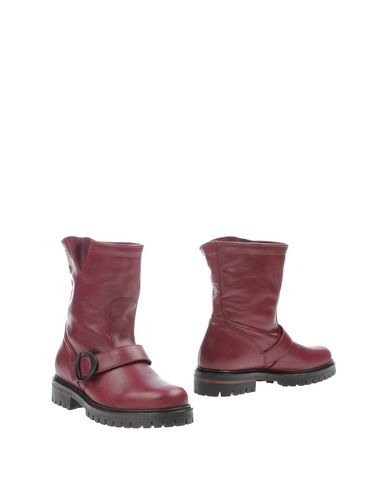 O JOUR Ankle Boot in Garnet