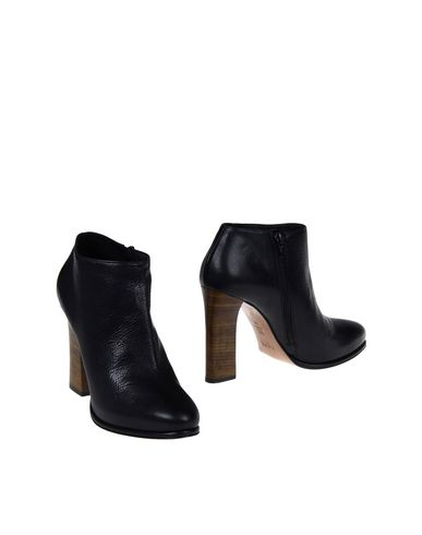HOSS INTROPIA Ankle Boot in Black
