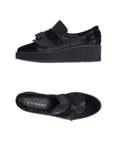 MINIMARKET Loafers in Black