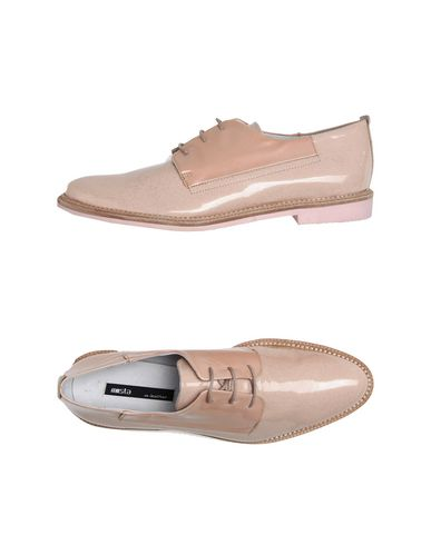 MIISTA Laced Shoes in Light Pink