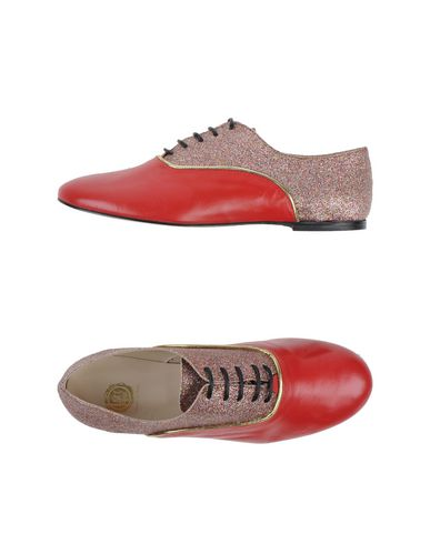 LISA C BIJOUX Laced Shoes in Red