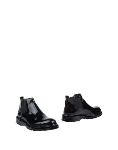 ATTIMONELLI'S Boots in Black