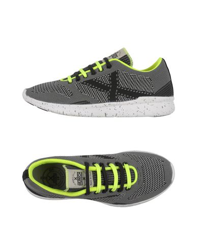 MUNICH Sneakers in Black