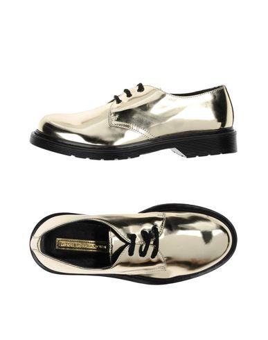 Los De últimos Zapatos de hombre y mujer De Zapato De Los Cordones Atos 1c8db3