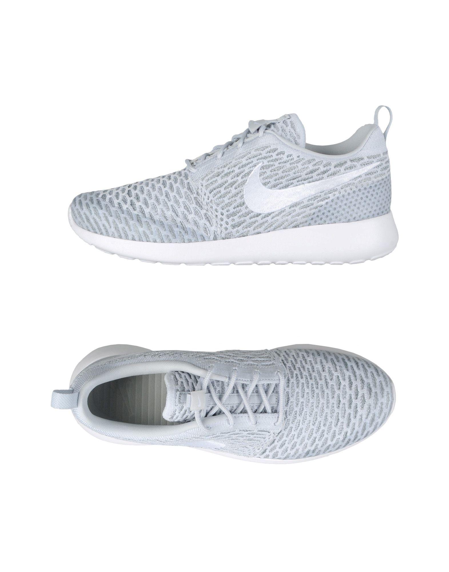 Baskets Nike Wmns Roshe One Flyknit - Femme - Baskets Nike Gris clair Dernières chaussures discount pour hommes et femmes