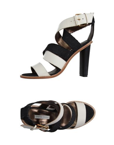 CYNTHIA VINCENT Sandals in Ivory