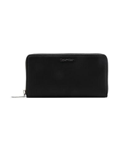 0a77a6dd47 Portafoglio Calvin Klein Tack Large Ziparound Xl - Donna - Acquista ...