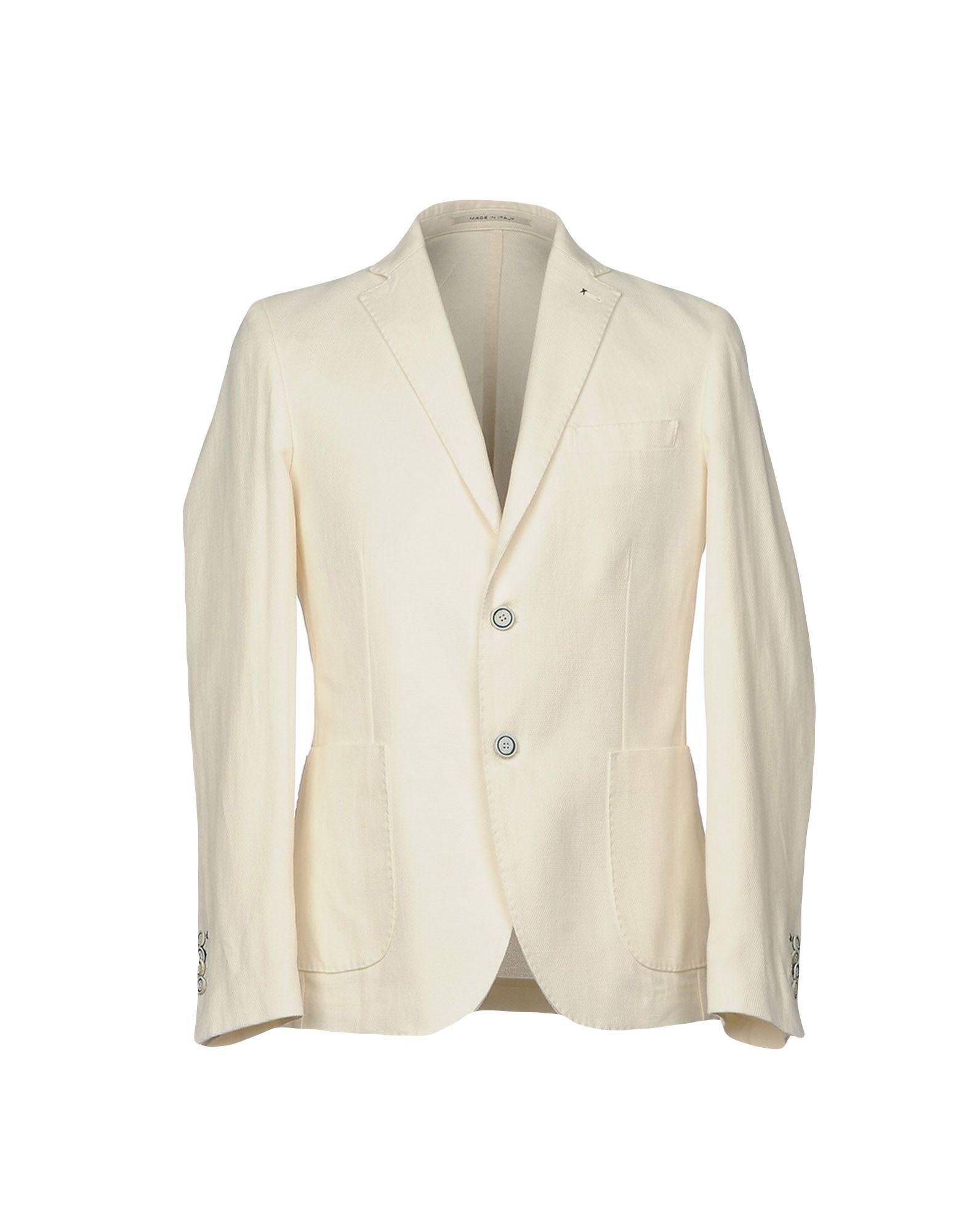 白色ジャケットの画像